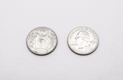 Primer a Georgia State Symbol en moneda del dólar cuarto en el fondo blanco Imagen de archivo