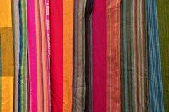 Primer indígena colorido de las materias textiles Imágenes de archivo libres de regalías
