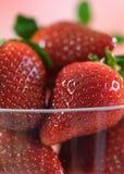 Primer macro de la fruta fresca de la fresa Fotos de archivo