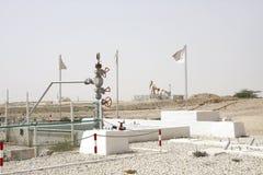 Primer manantial del pozo de petróleo en el Golfo Pérsico situado en Bahrein, el 16 de octubre de 1931 Foto de archivo libre de regalías
