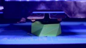 primer modelo azul brillante de la impresora de la impresión 3d almacen de video
