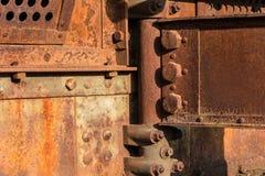 Primer oxidado de la construcción metálica - puente de acero aherrumbrado - Imagen de archivo libre de regalías