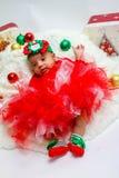 Primer photoshoot de la Navidad del bebé Fotos de archivo libres de regalías