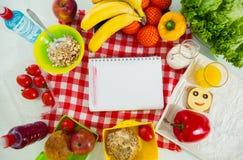 Primer preparado por los almuerzos escolares Imagen de archivo