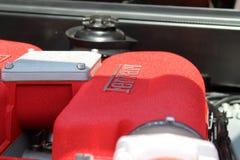 Primer rojo moderno del motor de Ferrari fotos de archivo libres de regalías