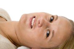 Primer rubio hermoso de la cara de la fijación de la mujer Imagen de archivo libre de regalías