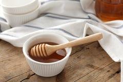 Primer sano dulce delicioso de la vida del cazo de la miel aún Imagen de archivo