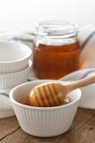 Primer sano dulce delicioso de la vida del cazo de la miel aún Foto de archivo libre de regalías