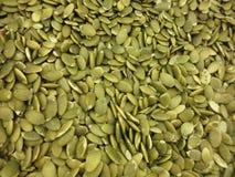 Primer verde de las semillas de calabaza Fotos de archivo libres de regalías