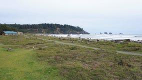 Primera costa costa de la playa en el empuje del La cerca de la falta de Cascadia Fotos de archivo