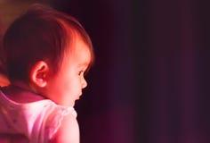 Primera experiencia de las bambalinas del bebé Fotos de archivo libres de regalías