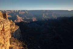 Primera luz sobre Grand Canyon, AZ Fotografía de archivo libre de regalías