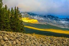 Primera luz a través de las nubes Imagen de archivo libre de regalías