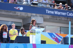 Primera señora Michelle Obama Encourages Kids a permanecer activa en Arthur Ashe Kids Day en Billie Jean King National Tennis Cent Imágenes de archivo libres de regalías