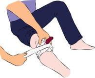 Primeros auxilios - vendando con la banda hiera con el cuchillo en pierna libre illustration