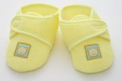 Primeros zapatos de los bebés Imágenes de archivo libres de regalías