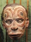 Primitief masker met ogen van shells in Papoea-Nieuw-Guinea Royalty-vrije Stock Afbeelding