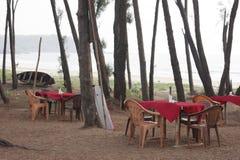 Primitiv restaurang i Goa, Indien Arkivfoto