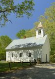 Primitiva Baptist Church i den Cades lilla viken av rökiga berg, TN, U Arkivfoto