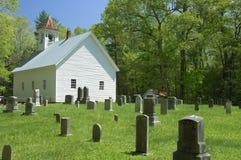 Primitiva Baptist Church i den Cades lilla viken av rökiga berg, TN, U royaltyfri fotografi