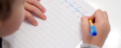 Primo anno in scuola elementare Immagini Stock Libere da Diritti