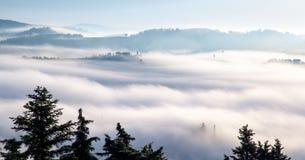 Primo mattino in d'Orcia di Val immagini stock libere da diritti