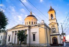 Primo mattino nella città La cattedrale di ascensione nella città di Tver', Russia fotografia stock