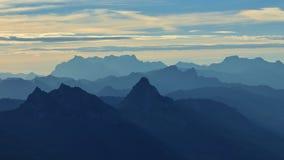 Primo mattino nelle alpi svizzere Vista dal supporto Rigi Fotografia Stock
