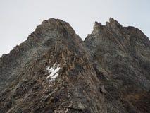 Primo mattino Picchi di montagna alba Luna Fotografia Stock