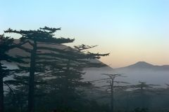 Primo mattino sopra l'isola di Iturup Fotografia Stock Libera da Diritti