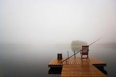 Primo mattino sul lago immagine stock