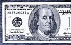 Primo piano 100 dollari Fotografia Stock Libera da Diritti