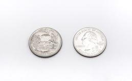 Primo piano al simbolo di stato dell'Arkansas sulla moneta del dollaro quarto su fondo bianco Fotografie Stock Libere da Diritti