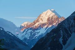 Primo piano al tramonto, Nuova Zelanda di Peak del cuoco del supporto di Aoraki Fotografia Stock Libera da Diritti