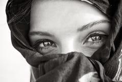 Primo piano arabo dell'occhio fotografia stock