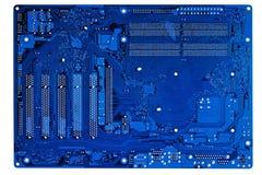 Primo piano blu del circuito elettronico. Fotografia Stock