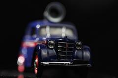 Primo piano blu dell'automobile dell'annata Fotografie Stock Libere da Diritti