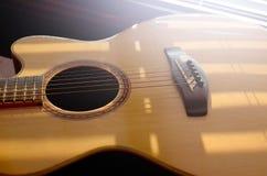 Primo piano, chitarra acustica Fotografie Stock