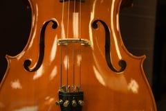Primo piano classico del violino del fondo scuro Fotografia Stock Libera da Diritti