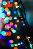 Primo piano colorato della ghirlanda di Natale delle luci Immagini Stock Libere da Diritti