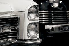 Primo piano d'annata di lusso del faro dell'automobile Fotografia Stock Libera da Diritti