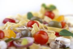 Primo piano degli ingredienti per alimento italiano famoso, tagliatelle Immagine Stock Libera da Diritti