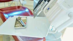 Primo piano degli strumenti moderni di un dentista Fotografia Stock Libera da Diritti