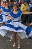 Primo piano dei ballerini femminili nell'Ecuador Fotografia Stock