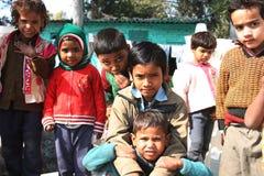 Primo piano dei bambini poveri da bassifondi di Nuova Delhi Fotografie Stock Libere da Diritti