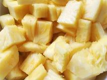 Primo piano dei bei pezzi dell'ananas Fotografie Stock Libere da Diritti