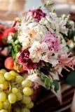 Primo piano dei fiori di Alstroemerias Fotografia Stock