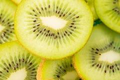 Primo piano dei kiwi affettati Immagine Stock Libera da Diritti