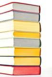 Primo piano dei libri impilati variopinti Immagini Stock Libere da Diritti