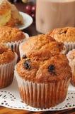 Primo piano dei muffin di crusca Fotografia Stock